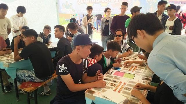 モンゴルで「遊戯王」公式カードゲーム体験会開催