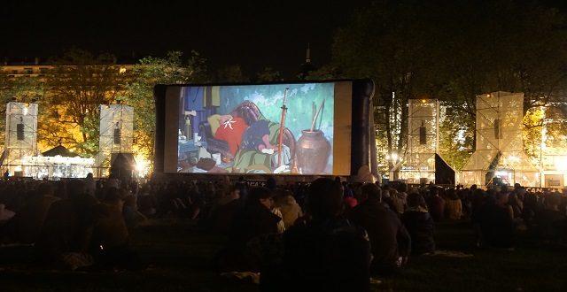 『バケモノの子』野外上映会